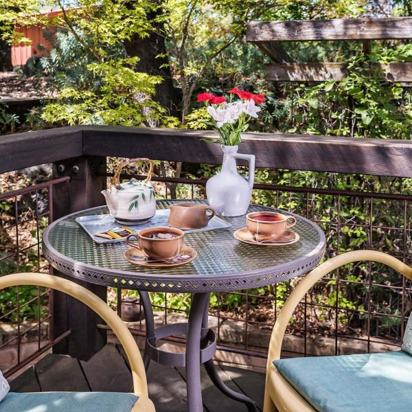 Table with tea on the Live Oak Room private patio