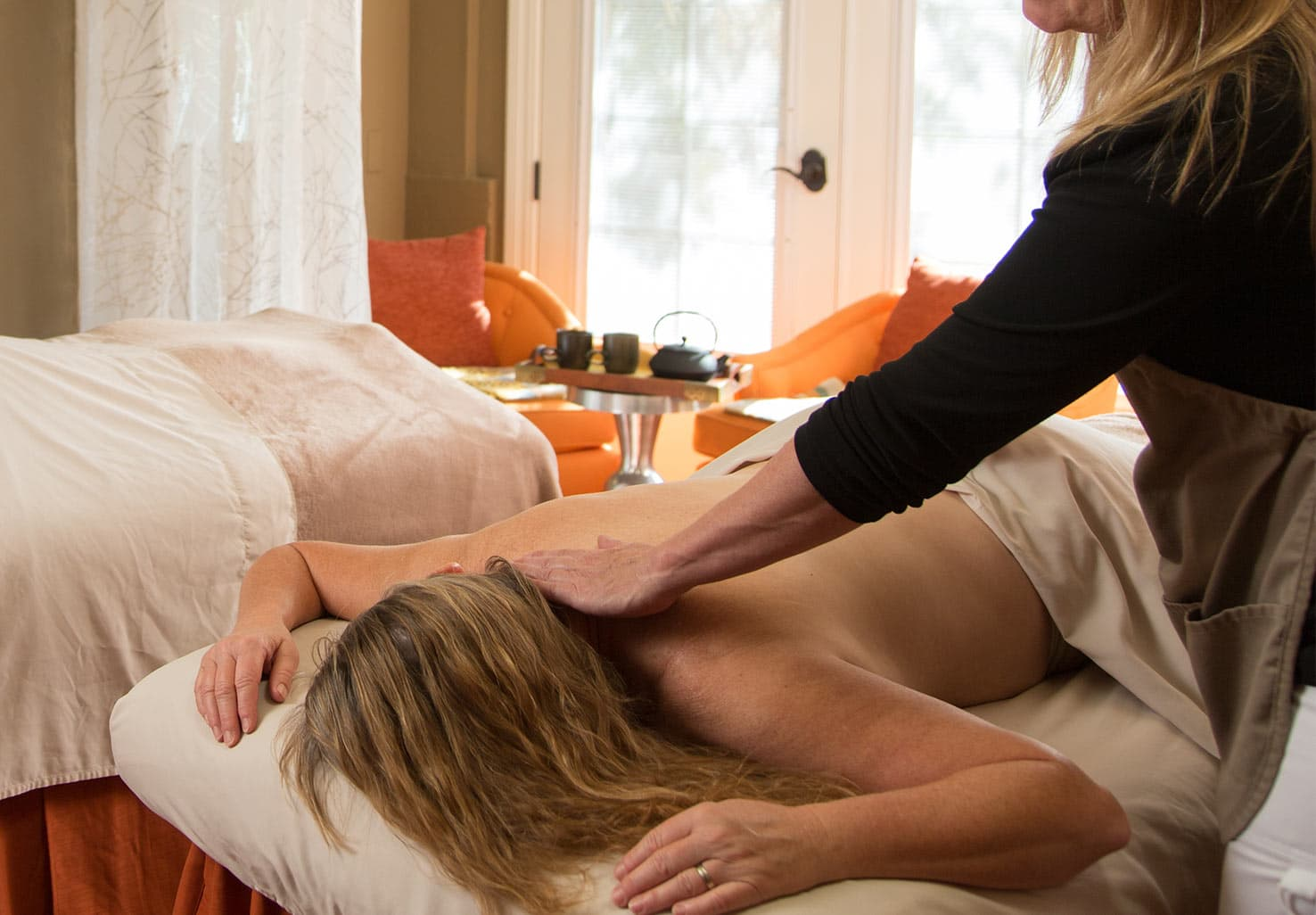 close up of person getting a massage at Eden Vale Inn